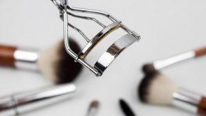 eyelash-curler-1761855_640