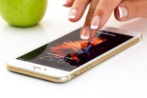 smartphone-1894723_640